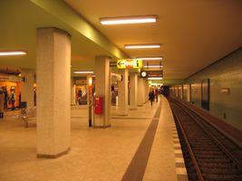 File:Leopoldpl9-ubahn.jpg