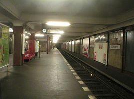 File:U-Bahn Berlin Suedstern.jpg