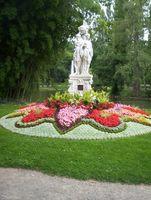 File:Vue statue jardin des plantes le mans.JPG