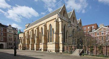 File:Temple Church, Temple, London EC4.jpeg