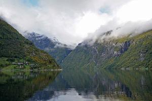 File:Geirangerfjord 10 2018 3320.jpg