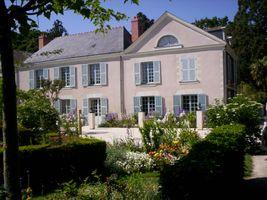 File:Maulevries Arboretum Angers.JPG