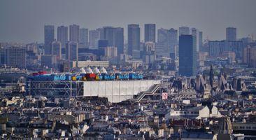 File:Paris Montmartre Blick aufs Centre Georges-Pompidou.jpg