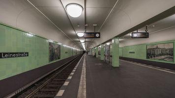 File:U8 Berlin Leinestrasse 12-2017.jpg