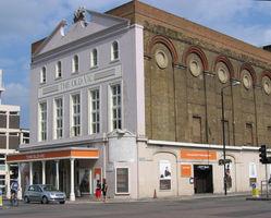 File:Old Vic theatre London Waterloo.jpg
