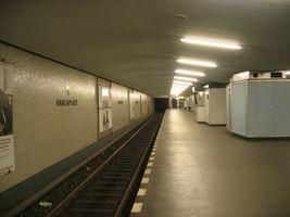 File:Hansaplatz-ubahn.jpg
