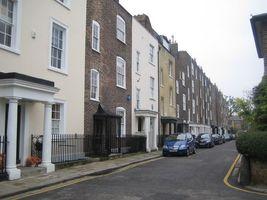 File:Hammersmith Terrace - geograph.org.uk - 580269.jpg
