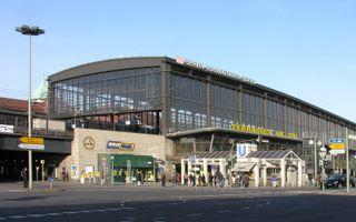 File:Berlin Bahnhof Zoo Zoologischer Garten 2007.jpg