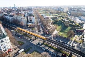 File:Vogelperspektive - Görlitzer Park in Berlin-Kreuzberg.jpg