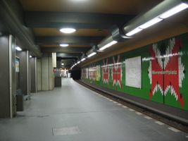 File:Mierendorff-ubahn.jpg