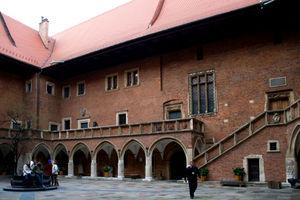 File:Collegium Maius, Cracovia, Polonia.jpg