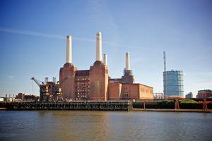 File:Battersea Power Station, London-22May2010.jpg