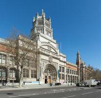 File:Victoria & Albert Museum Entrance, London, UK - Diliff.jpg