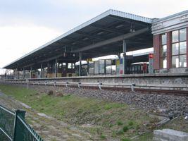 File:U-Bahn Berlin - U5 - station Biesdorf.jpg