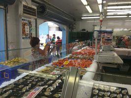 File:Prawns at Sydney Fish Market.jpg