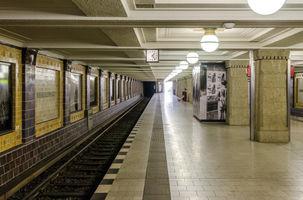 File:U-Bahnhof Hohenzollernplatz 20130727 3.jpg