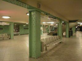File:U-Bahn Berlin Gesundbrunnen.JPG