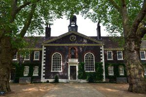 File:Cmglee London Geffrye Museum front.jpg