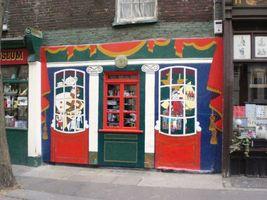 File:Pollock's Toy Museum, Scala Street W1 - geograph.org.uk - 1568357.jpg