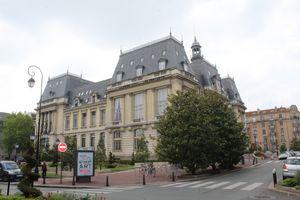 File:Hôtel ville St Maur Fossés 1.jpg
