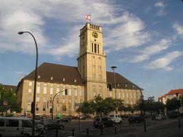 File:2006-08-07 Rathaus Schoeneberg.jpg