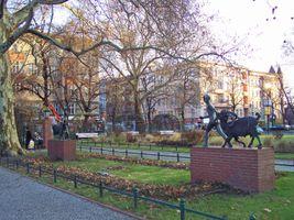 File:Savigny-Platz.jpg
