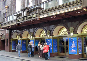 File:Prince Edward Theatre 2005 - Mary Poppins.jpg