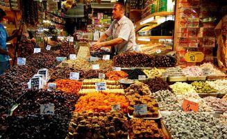 File:Istanbul spice bazaar 02.jpg