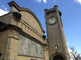 File:Horniman Museum tower, 2015.jpg
