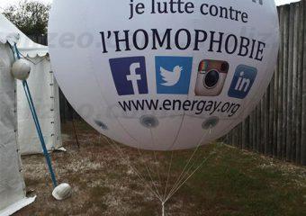 ballon hélium géant lutte homophobie