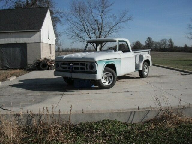 1968 Dodge D100 with Utiline body style project truck