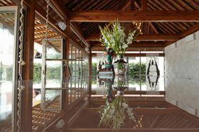 Chi Samui Beach Bar & Restaurant