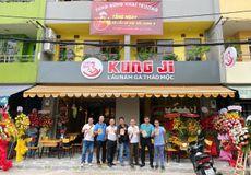 KAS chúc mừng Hệ thống lẩu gà nấm thảo mộc KungJi khai trương chi nhánh mới