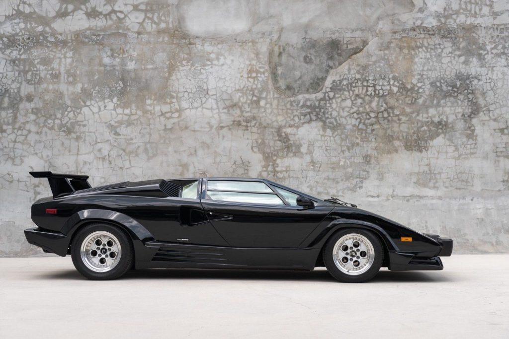 1989 Lamborghini Countach in very good condition