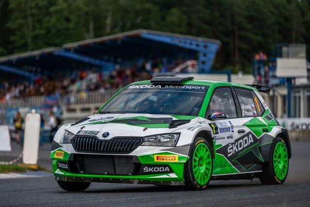 ŠKODA AUTO důstojně oslavila 120 let motorsportovních aktivit, její posádky zcela ovládly Rally Bohemia 2021
