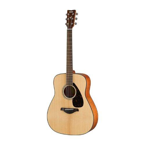 guitar with low action - the Yamaha FG800