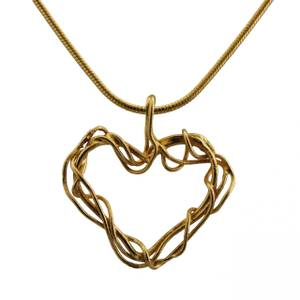 Hjerte af guldtråde