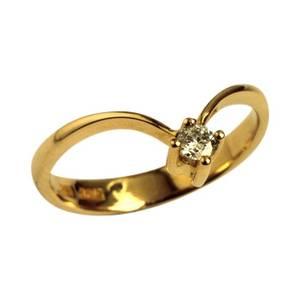 V ring i guld