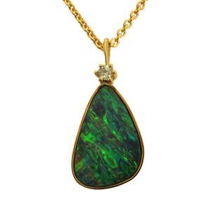 Opal med brillant