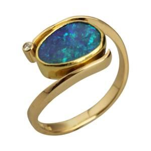 Unik ring med kundens egen opal