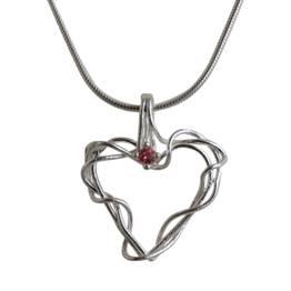 Hjerte af tråde med turmalin
