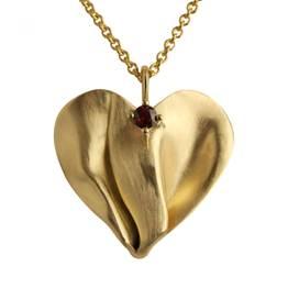 unik hjerte med rubin