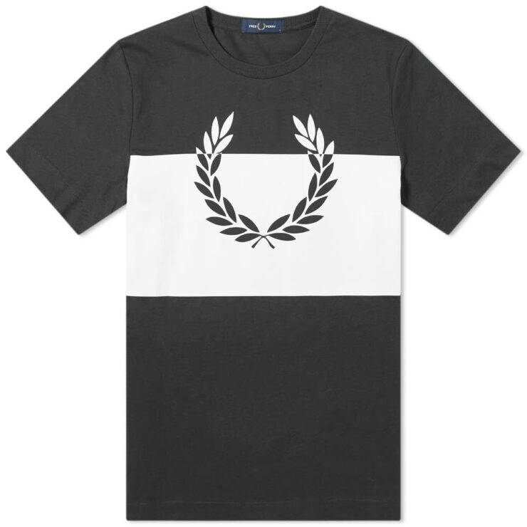 Fred Perry Printed Laurel Wreath T-Shirt in Black
