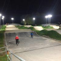 Floodlit_BMX_track_at_Alvaston_Park.JPG