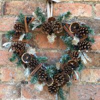 Wreath_making_workshop.jpg