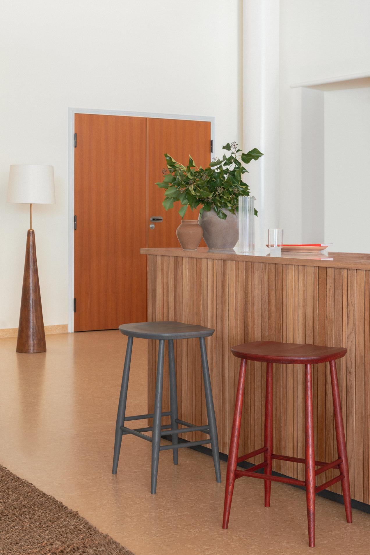 Originals--4666-4667--utility-stool--gallerySlider-3--Ash--WG-VR.png
