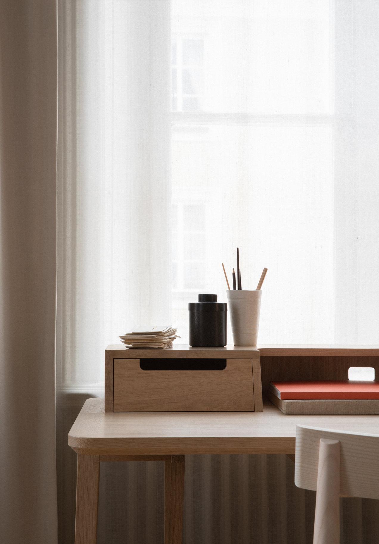 Treviso--2334-2335--desk--gallerySlider-5--Oak--DM.png