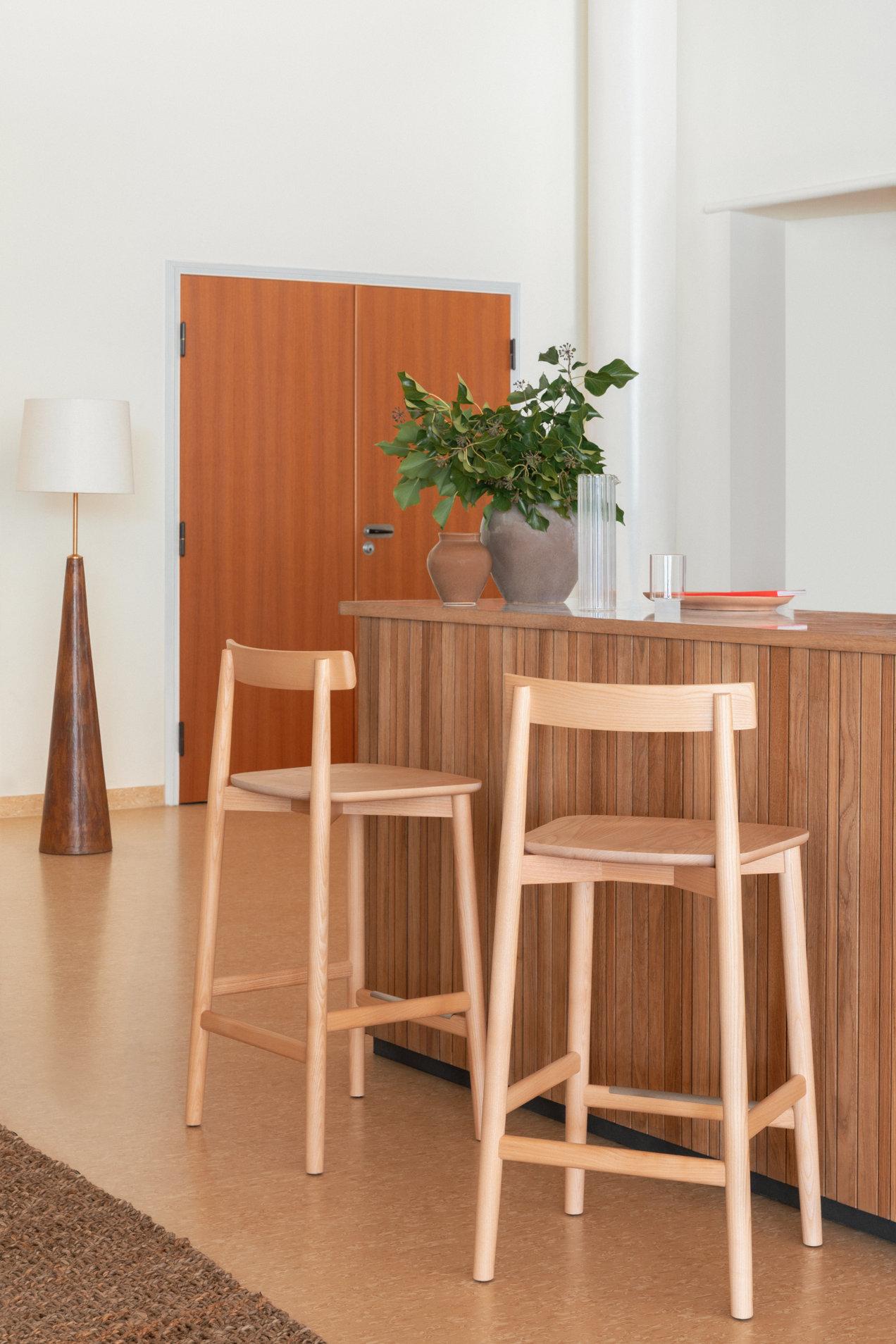 Lara--1793--counter-stool--gallerySlider-1--Ash--DM.png