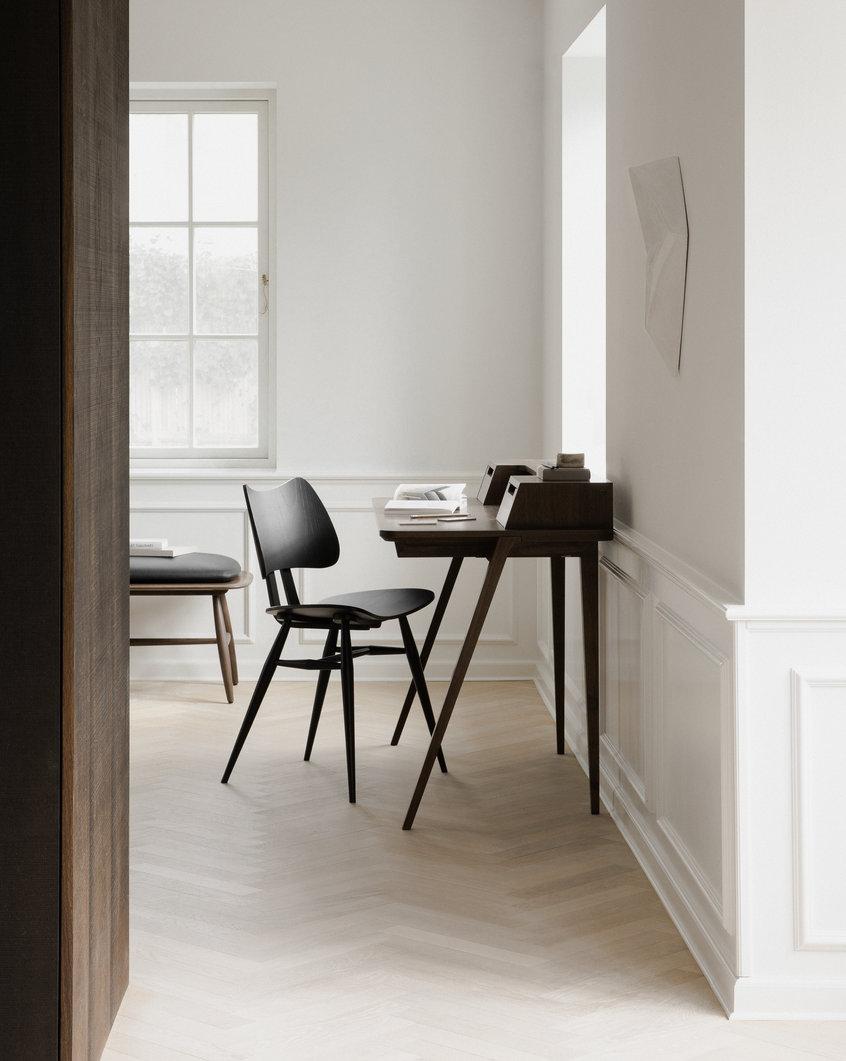 Lifestyle image of Treviso Desk