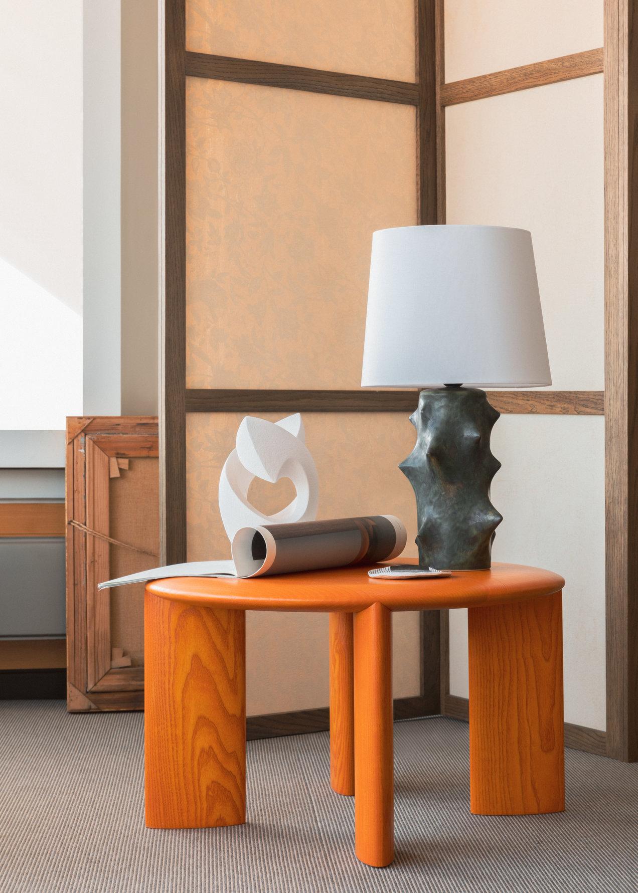 IO--3694-3695--long-table--gallerySlider-1--Ash-OE.png